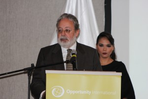 Opportunity Colombia CEO Enrique Ordonez at the podium.